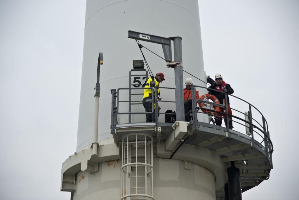 Photo prise lors de la maintenance d'un parc éolienne en mer (Dieppe Le Tréport)