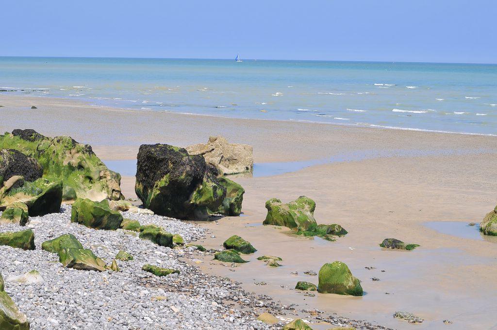 Photo de la côte Dieppe en Normandie pour illustrer le projet de parc éolien en mer de la société Eoliennes en Mer Dieppe Le Tréport