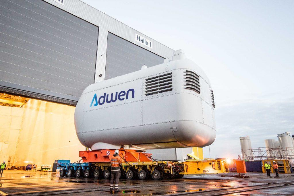 Photo prise lors de la construction d'une éolienne par l'entreprise Adwen (Dieppe Le Tréport)