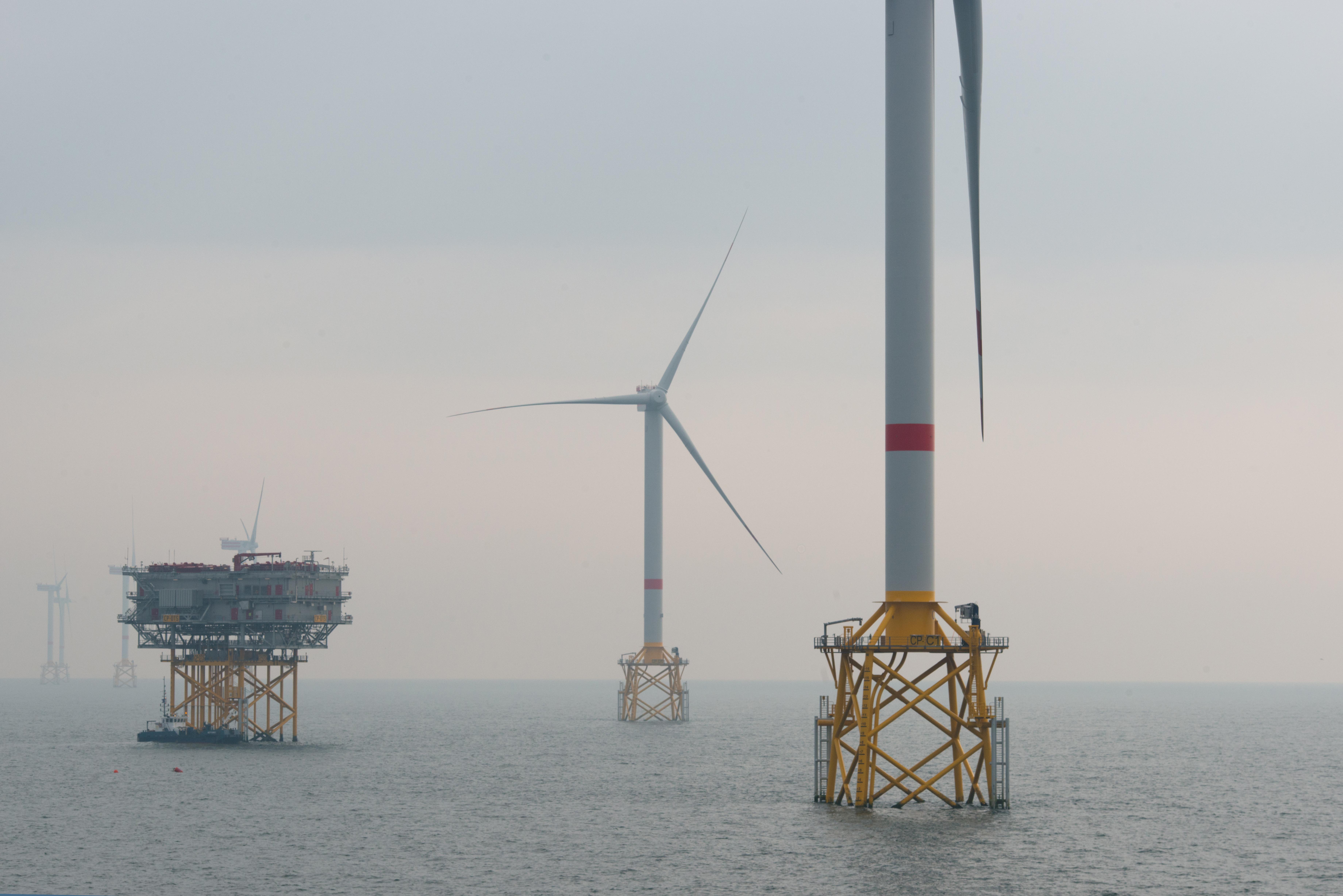 Sur quoi portera le débat public «Eoliennes en mer au large de la Normandie» ?